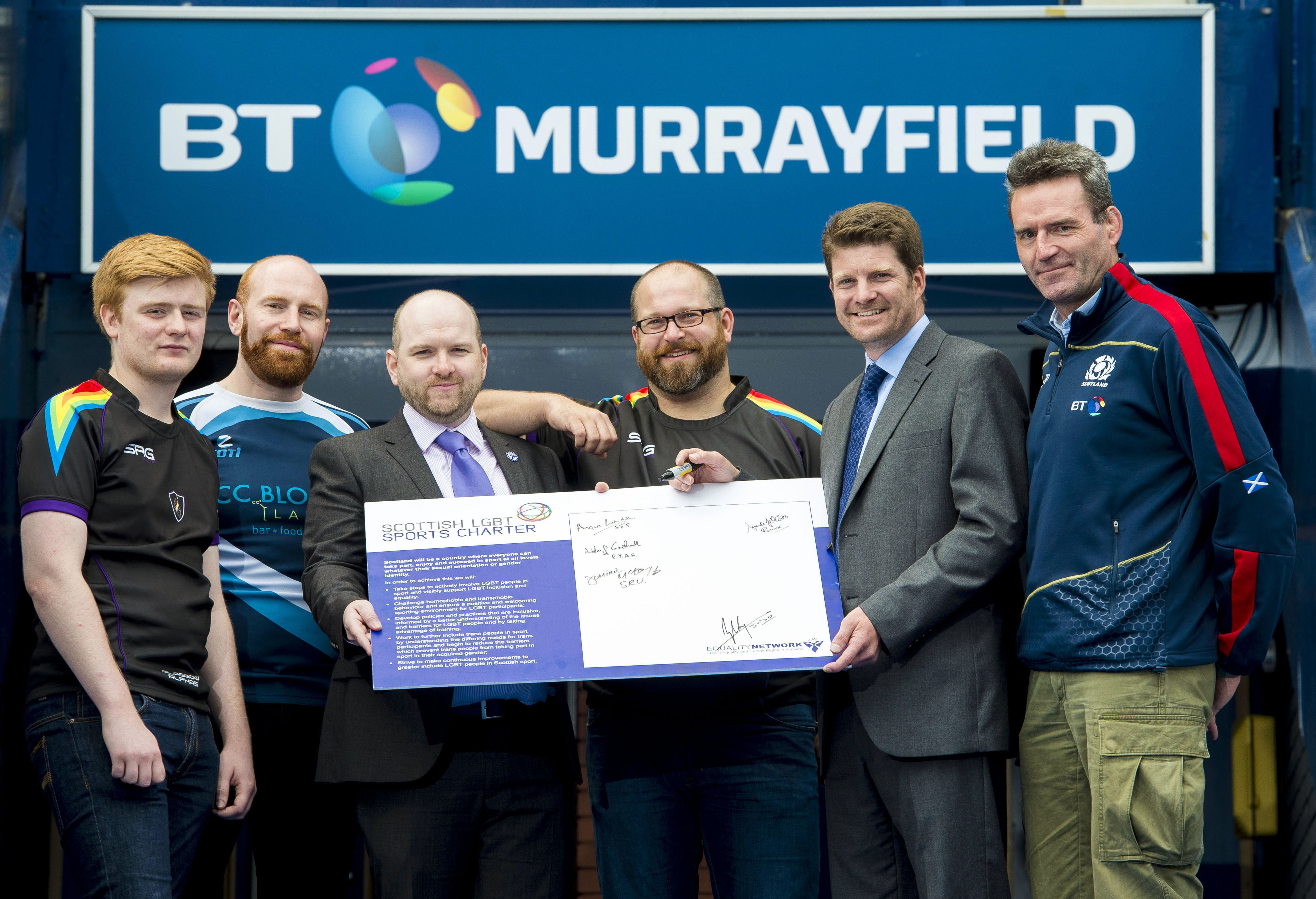 09/08/16 - 16080907 - SCOTTISH RUGBY UNION BT MURRAYFIELD - EDINBURGH Scottish Rugby signing the Equality Network's LGBT Charter Munro Stevenson (Publicity/Media rep. -Glasgow Alphas) Neil Fox (captain of Caledonian Thebans) Scott Cuthbertson (Equality Network) Boris Pichotka (secretary of Glasgow Alphas) Dominic Mckay Pete Young (SRU Outreach and equality manager ).